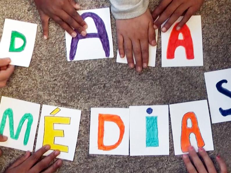 Web-documentaire à l'école poésie surréaliste éducation à l'image et aux médias école Montaudran Toulouse Lauréat prix Didactica Arts numériques 2018